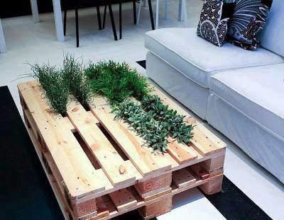 Le concept, la simplicité, le design : cette table a tout pour plaire