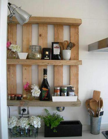 Une jolie étagère très simple et bien utile