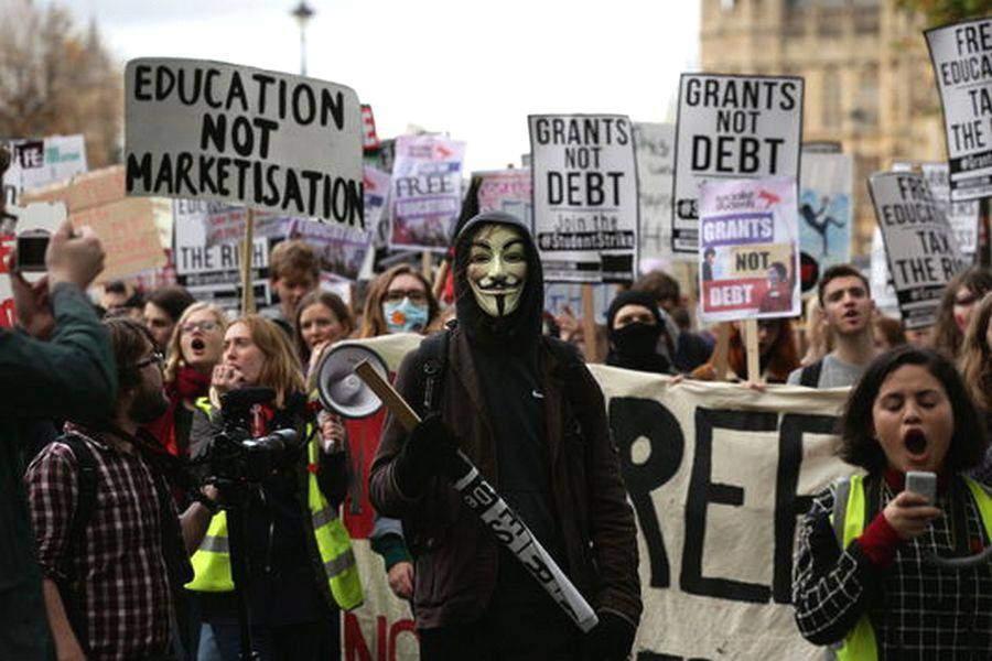 suppression des bourses étudiantes