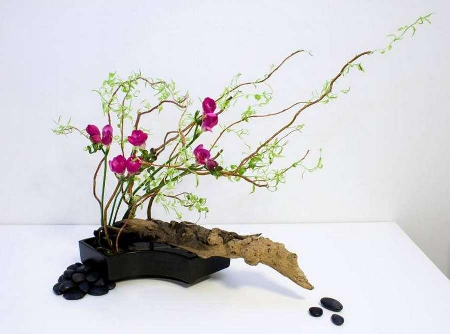 ikebana l 39 art floral japonais ancestral pratiqu dans le monde entier. Black Bedroom Furniture Sets. Home Design Ideas