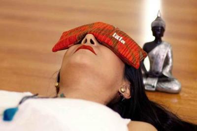 masque relaxant pour les yeux